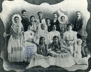 A photograph of Frida's maternal family wearing Tehuana style clothing.