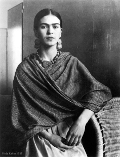 A beautiful young Frida, 1931.