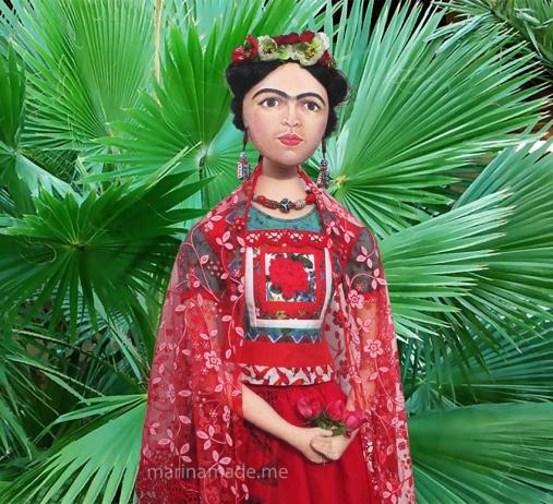 Frida muse by fan palms