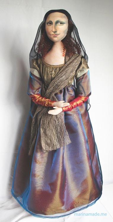Mona Lisa muse sculpted in textiles by artist, Marina Elphick.