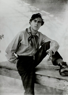 Photo of Modigliani, 1918.
