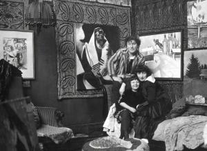 Marc, Bella and Ida in Paris, 1924, photograph by Ullstein Bild. Bella Rosenfeld, Bella Chagall.