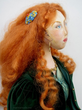 Detail of Fanny's hair clasp.